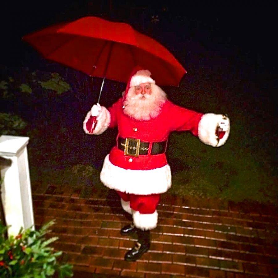 Christmas Eve 2014, Santa Battles the rain to make his rounds