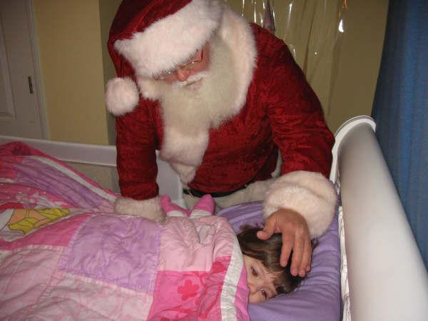 Santa & Nicole14.jpg
