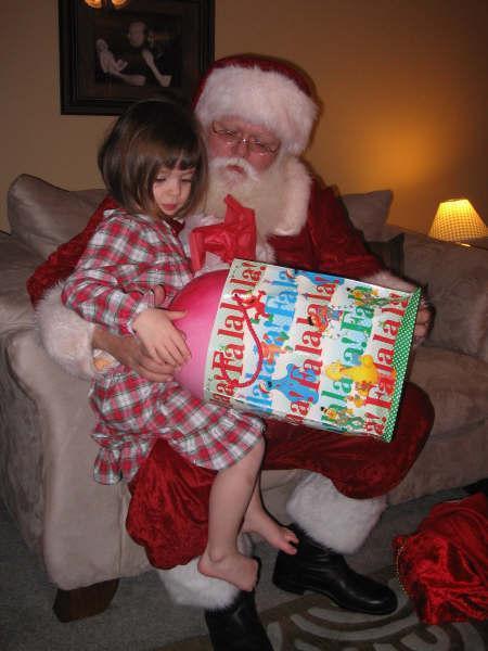 Santa & Nicole4.jpg