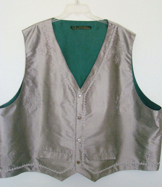 Santa Felix's New Vest