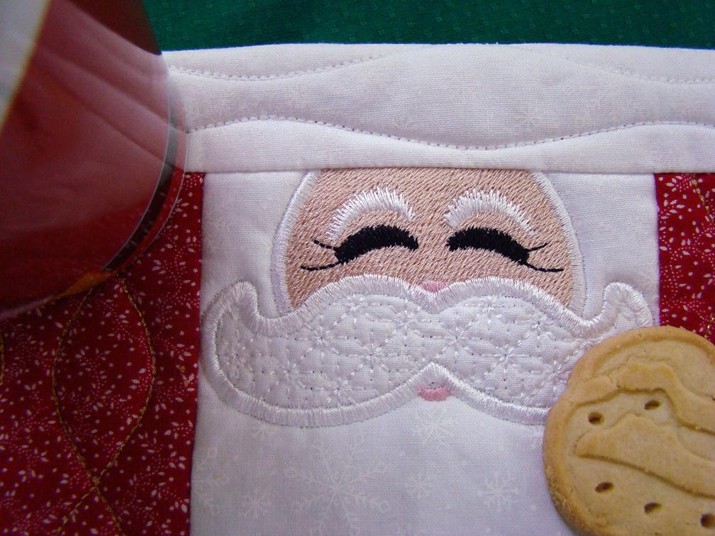Mug Rug santa face large close Up
