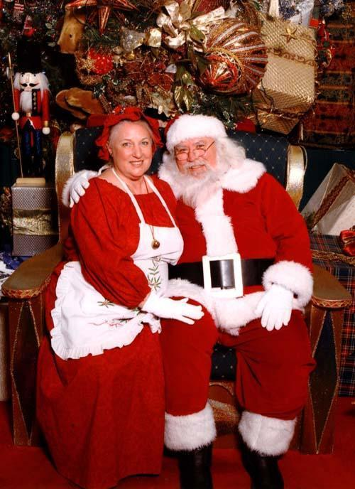 Mr and Mrs Santa web.jpg