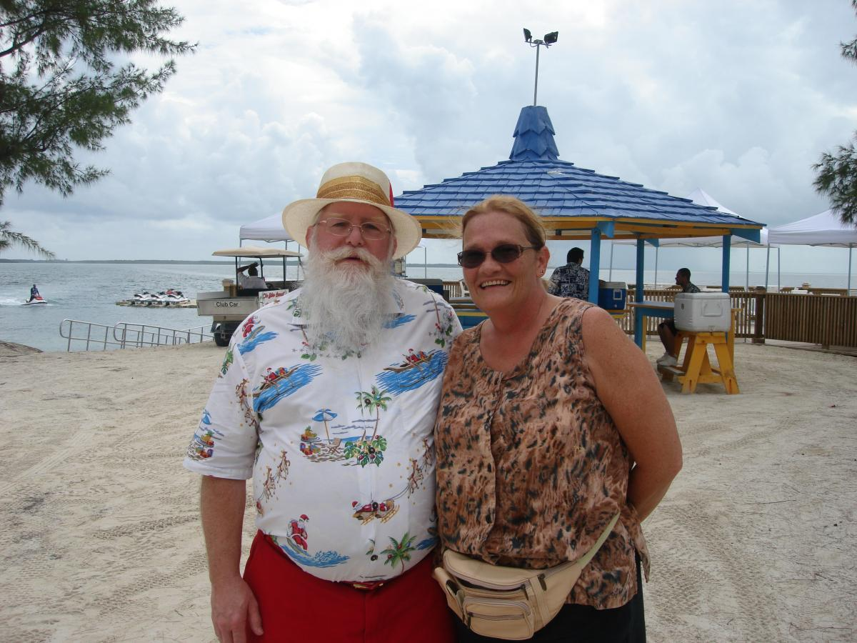 Mr & Mrs Claus in the Bahamas