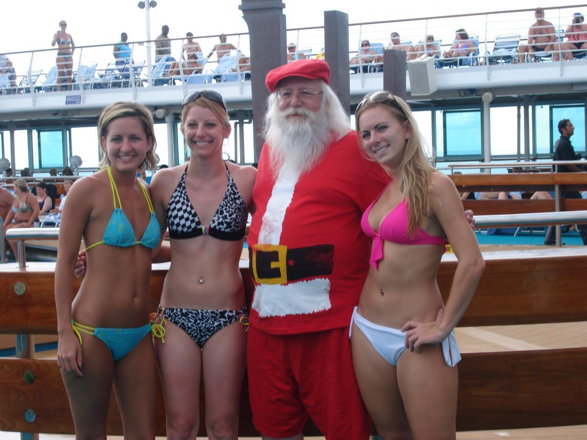 Santa recruits new Elves