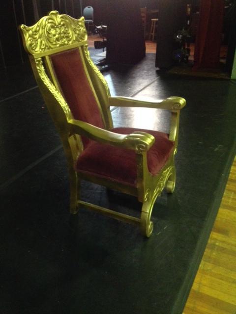 Santa Throne left profile