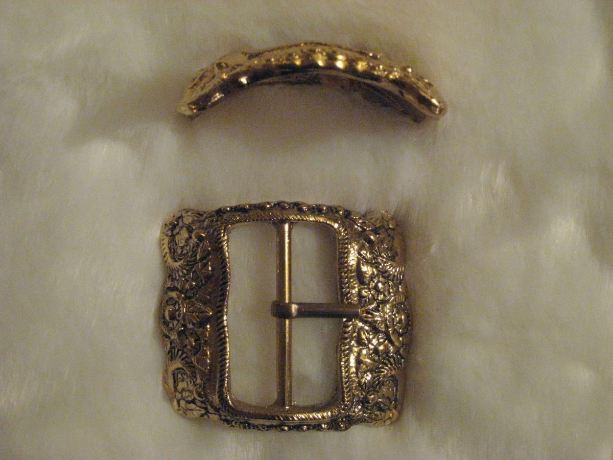 Ornate Boot Buckle Profile