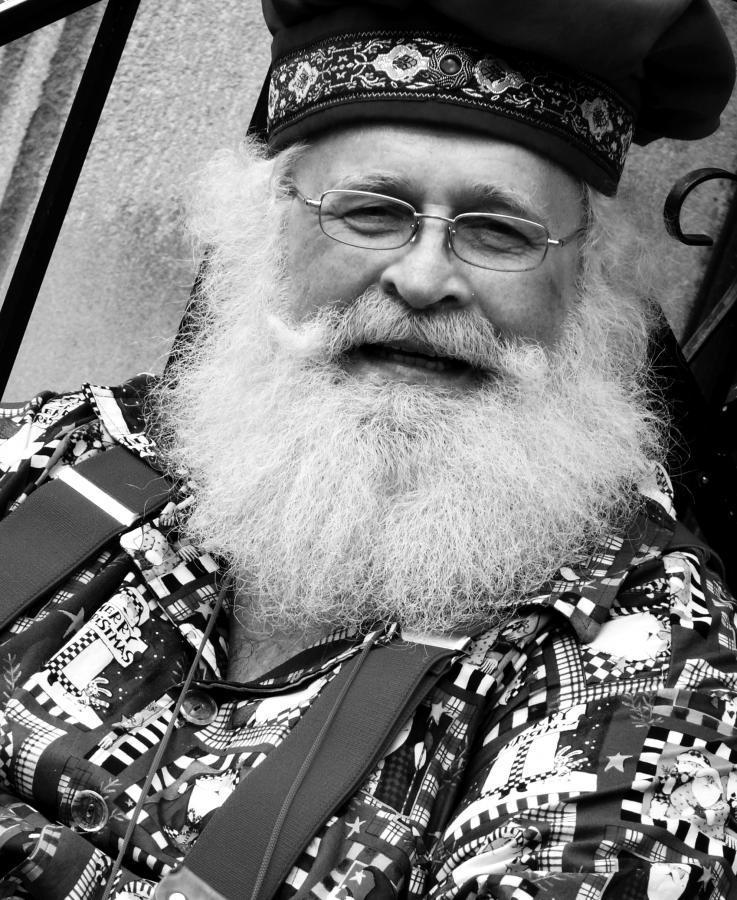 Santa Dennis Blanden