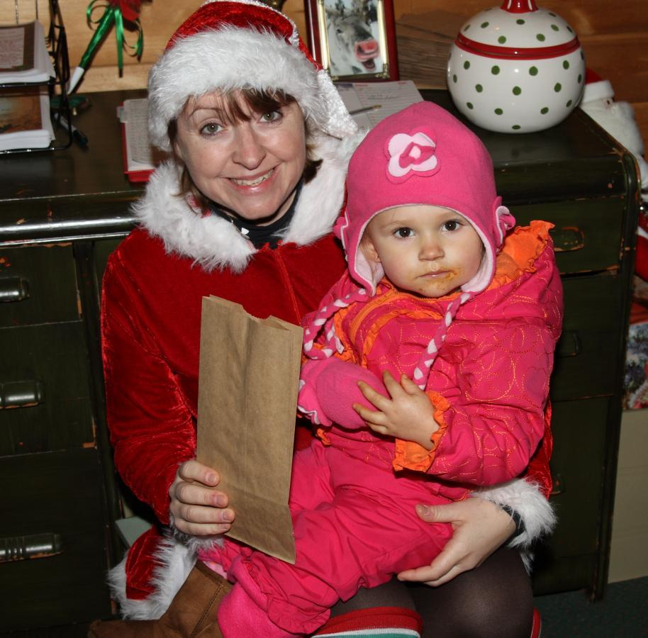 Cinnamon, my Head Elf at Kringleville