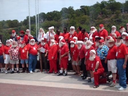 Branson Landing Singing Santas
