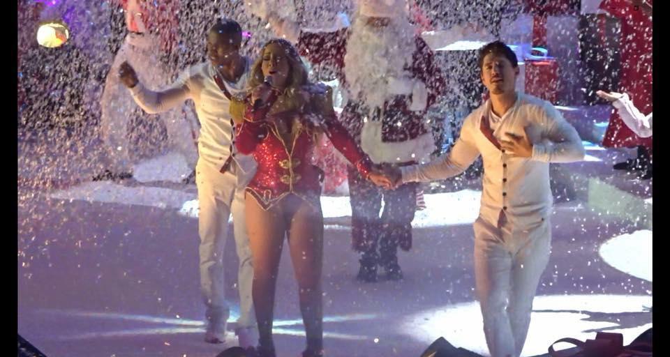 Mariah Carey 02 Arena London As Father Christmas