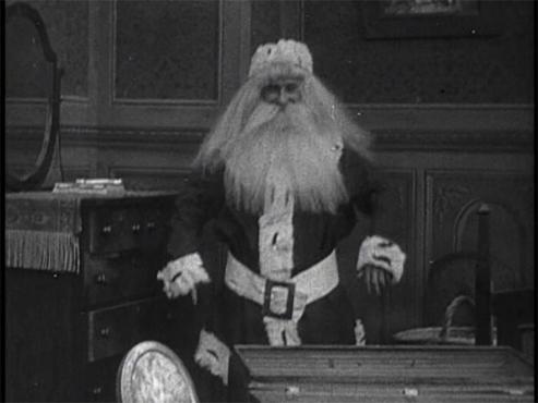 Adventure of the Wrong Santa Claus 1914.jpg