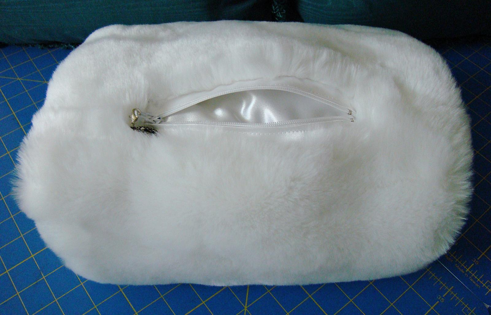 Muff purse #2 open.jpg