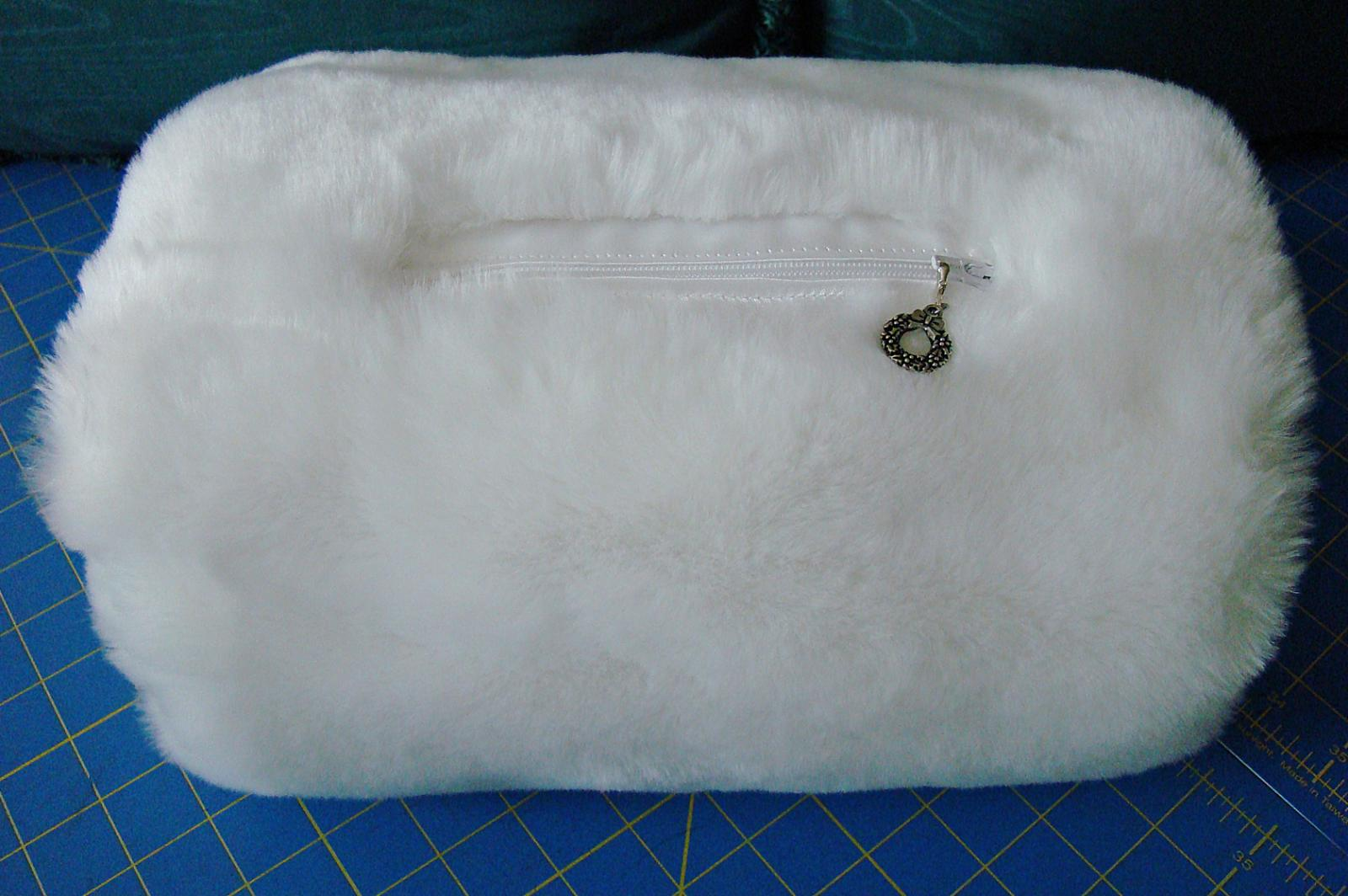 Muff purse #2 closed.jpg