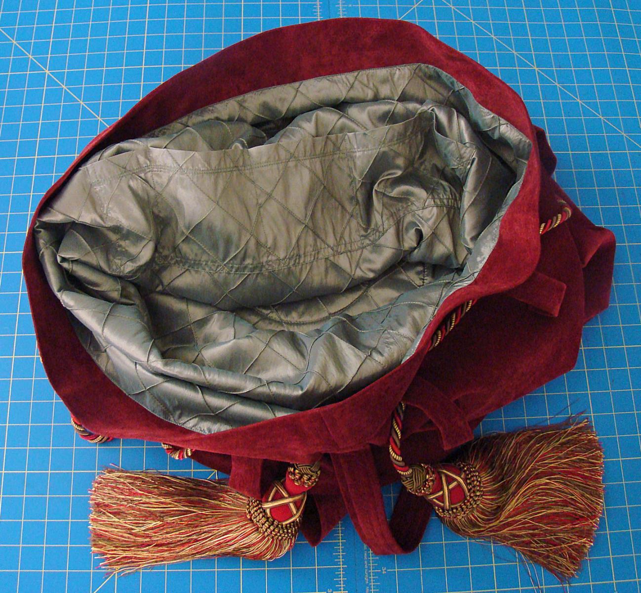 CN4 bag inside pockets.jpg