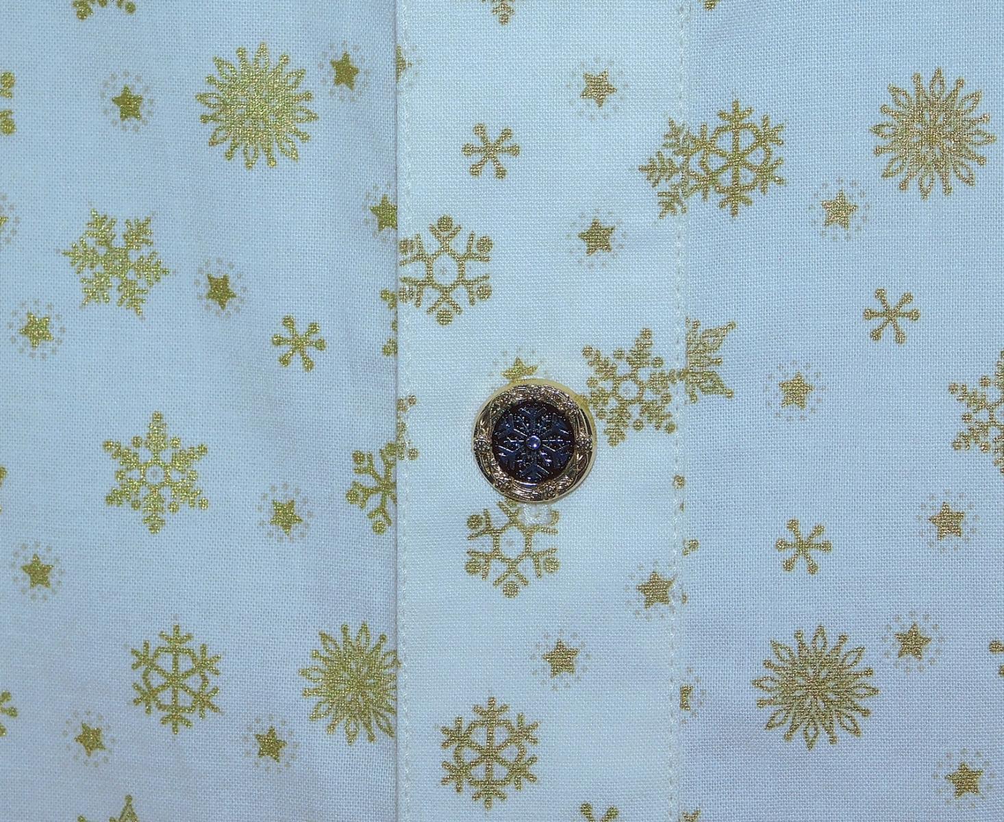Stephen A. L:S snowflk shirt detail.jpg