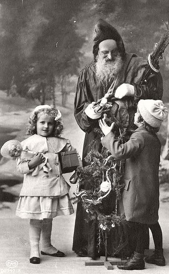 late 1800 Father Christmas card.jpg